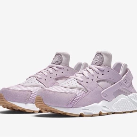 Nike Shoes   Nike Huaraches Lilac Size